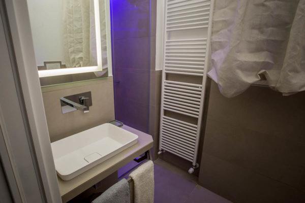 Casa-Vacanze-Usignolo-bagno2