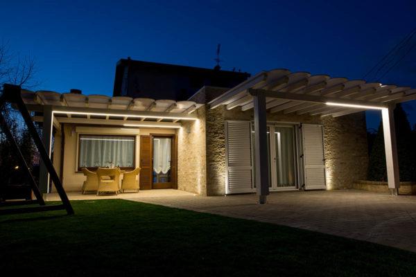 Casa-Vacanze-esterno-di-notte1