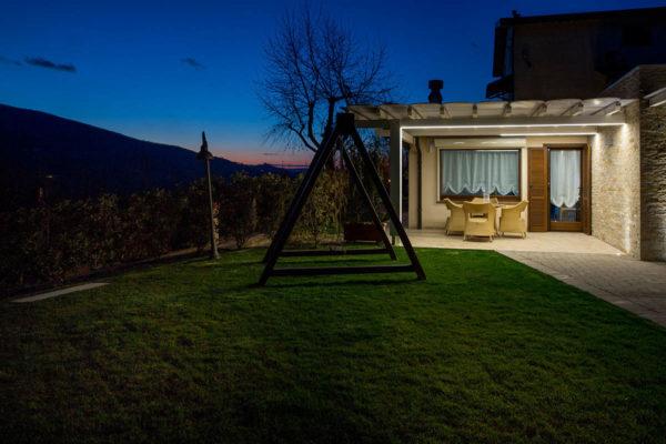 Casa-Vacanze-esterno-di-notte2