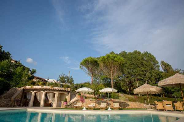 Casa-Vacanze-Usignolo-veduta-della-piscina