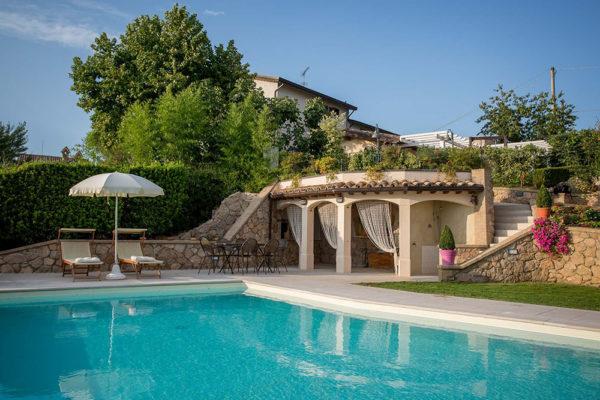 Casa-Vacanze-Usignolo-Umbria-la-piscina
